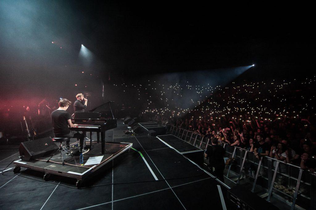 """Komma"" performed by Johnny de Ridder and Francois van Coke - photo Sean Brand"